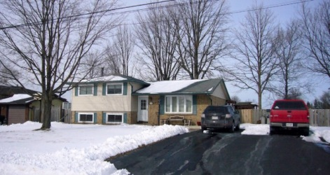 118 Emi Street, Courtright Ontario, Canada